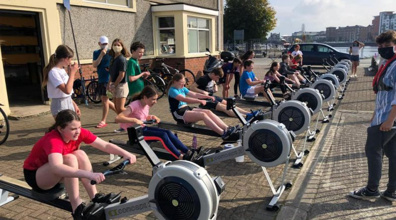 Juniors Learn To Row